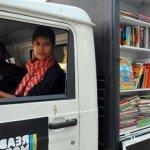 印度孩子不能只看教科書!兩個推廣閱讀的印度傻瓜 「行動書店」不辭萬里下偏鄉