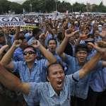 非法Uber讓我沒飯吃!印尼計程車司機雅加達大遊行