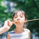 最溫暖的親子照!面對差點死於手術的女兒,日本攝影師拍下她無數燦爛笑容…