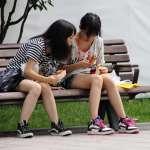 一定要聊天聊不停才是真朋友嗎?跟最欣賞的人一起時,有比說話更美好的事…