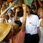 翁山蘇姬兌現「釋放政治犯」諾言 首批69名學生獲釋