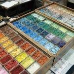 和服繪師都指定用他們家的筆!傳家四代的京都畫具老舖,見證日本畫界的近代史