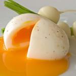 水煮蛋蛋殼為什麼這麼難剝?日本教授提3大科學煮蛋方法,再也不會坑坑洞洞!
