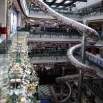 上海商場五層樓溜滑梯啟用 民眾擔心設施安全