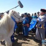 成吉思汗陵春祭大典 「轉世神馬」溜圓白駿將同受朝拜