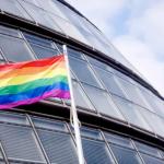 國際反恐同日》新科穆斯林市長不畏死亡威脅 倫敦市政廳揚起彩虹旗
