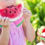 天氣熱就想吃西瓜消暑啊!但,有3種人吃西瓜要小心身體有負擔