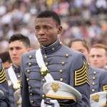 海地移民實現美國夢 西點軍校生畢業灑淚照轉載萬次