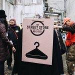 捐贈如何不淪為施捨?美國人打造暖心街店,讓街友找回選擇權,重拾逛街樂趣!