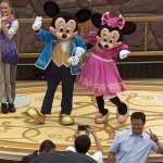 迪士尼開幕,尋夢而來的人卻雪崩般遷離上海:《不存在的3億人》選摘(3)