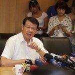 報導何煖軒意圖交通部長,《新新聞》遭華航退訂400本