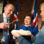 政治素人崛起 歷史學者當選冰島新總統