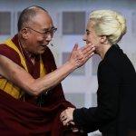 Lady Gaga臉書直播與達賴喇嘛談話 中國網民震怒狂洗版