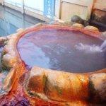 泡頂級碳酸泉是什麼感覺?日本第一的「彈珠汽水溫泉」,就像泡在汽水裡!