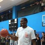 「雷帝」Durant訪台親民 訓練營秀高難度動作