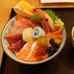 天氣熱沒胃口?來碗消暑的生魚片蓋飯吧!全台北最受食客推薦的5家刺身丼