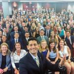 全是白人!美國國會議長與實習生大合照露餡 衛報:華府缺乏種族多元的實際寫照