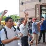 私校改革聯盟到民進黨部抗議,大樓管委會出面阻擋