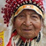 打過諾曼地登陸戰的傳奇酋長 《與狼共舞》原住民演員「白頭鷹二世」逝世