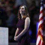 民主黨全國大會》首位登上全代會演說的跨性別者:希拉蕊懂爭取平權的迫切性
