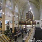 15世紀破舊不堪的老教堂,耗費10年重新打造,在荷蘭茲沃變身複合式書店