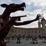 狼來了!青銅狼群「佔領」柏林 德國藝術家:正視種族主義邪惡正在滋長