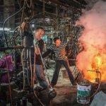 每夜守著窯爐的司爐人!台灣玻璃業最後見證人無奈感慨:自然淘汰也沒辦法…