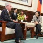 薄瑞光告別10年AIT理事長 蔡英文盼「常回來走走」