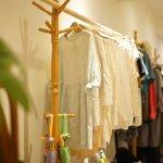 台灣人的衣服總是過季就丟?她開店讓禁得起時間考驗的衣物重獲新生