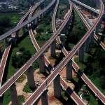 東西南北縱橫行 中國高鐵邁入2萬公里新時代