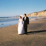 出國結婚不是因為浪漫?這個國家靠外國人婚禮年賺1億,原因無關美景,而是…