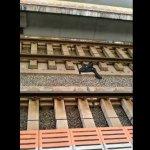 奧客使人崩潰?日本列車長處理跳軌事故突失控 脫衣跳下月台狂奔後跳橋骨折