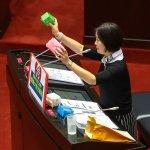 吳思瑤提廢除女性生理用品稅 林全表態支持