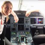 16歲就開飛機    史上最年輕英國26歲女機長