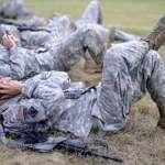 「話題少了、感情淡了」智慧手機正在損害中、美軍隊戰鬥力?