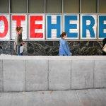 美國總統大選》37州提前投票陸續開跑 希拉蕊、川普爭搶5200萬張關鍵選票