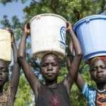 聯合國報告:女孩比男孩做家務時間多40%
