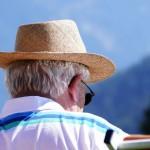 光靠飲食、運動還不夠!70%百歲人瑞平常都愛做、研究證實超有效的長壽關鍵是…