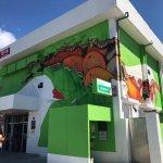 屏東枋山便利箱郵局,每整點可看到全台獨一無二的綠能光電秀