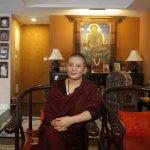 喜馬拉雅山下的音樂女神 比丘尼梵音詠唱家瓊英卓瑪以天籟做慈善