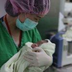 手術危險形同「拆彈」 台大仁醫不計成本救孕婦