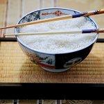 吃日本料理時,要先捧碗還是拿筷子?日本箸文化協會這樣說…