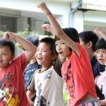 每天接學生上學、講師費全捐給單親家長,「最有愛」偏鄉校長一席話感動全台灣!