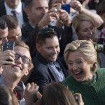 美國總統大選》希拉蕊全國民調領先12個百分點 川普競選發言人坦承「落後了」