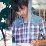 誰說畫畫不能當飯吃?高中男孩靠3支鋼筆走遍台灣,這種打工換宿誰都羨慕啊!
