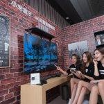 科技的樂趣僅在彈指間 只需要一個小小盒子 手機、電視就是娛樂中心