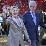 【圖輯】希拉蕊輕裝早起投票 比爾柯林頓溫馨隨行