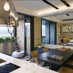 海風侵蝕、鋼筋露出老公寓,也能變這麼美!設計師分享老屋改造精采過程