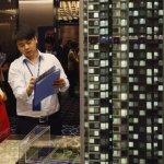 中國無臂殘疾人買房遭遇新障礙