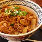 去日本怎能錯過道地料理?7家日本人最愛的美食連鎖店,便宜又超好吃啊